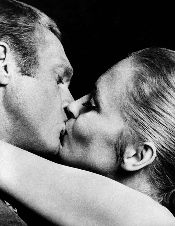 Steve-McQueen-et-Faye-Dunaway-dans-L-affaire-Thomas-Crown-1968