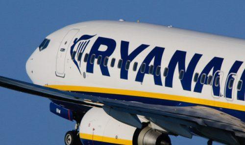 La nuova filosofia di Ryanair che ora fa soldi con la gentilezza